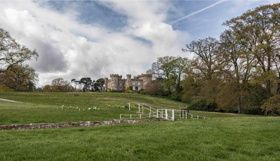 Cheshire, UK: Entrance from Public car park to Cholmondeley Castle and Gardens