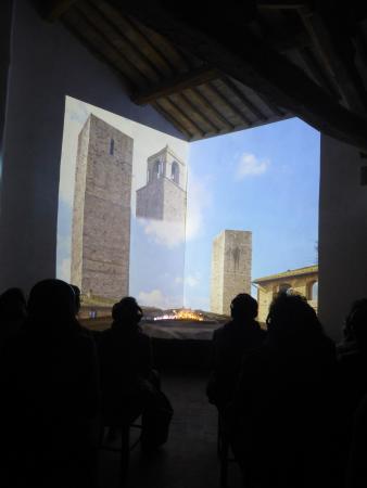 Castel San Gimignano, Italien: un momento della proiezione