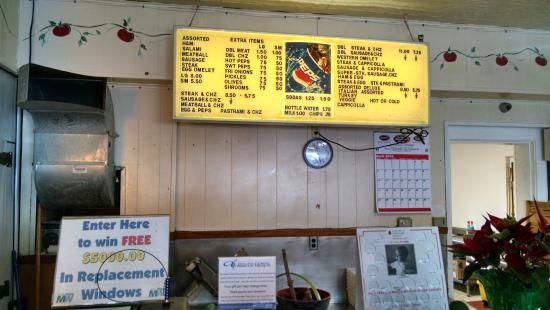 Viola's Submarine House : no frills inside--just shut up and eat!