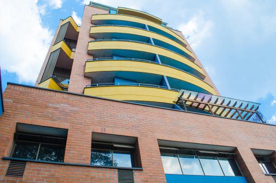 Torre Poblado Hotel Suites.: edificio