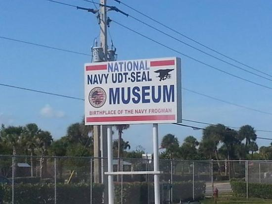 Fort Pierce, Floryda: Placa de entrada