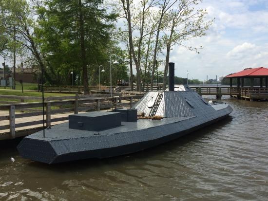 Plymouth, Kuzey Carolina: 3/8 Replica of The Ironclad CSS Albemarle