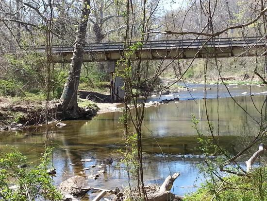Elkton, MD: Creek at the end of the Elk Forge property - nice walk
