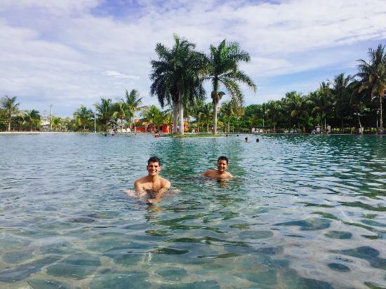Un sitio limpio y agradable para pasar el d a fui con mi for Lugares con piscina para pasar el dia