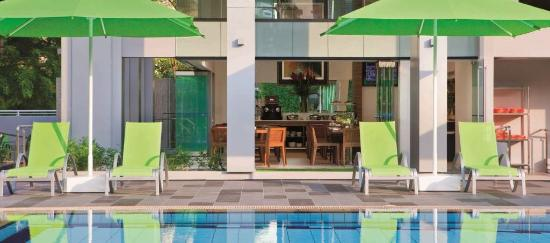 8 on Claymore Serviced Residences: Outdoor Pool