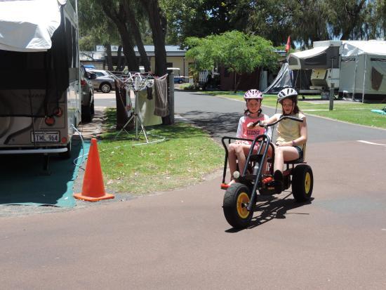 بيج4 بيتشلاندز هوليداي بارك: great bikes for hire in the Caravan Park