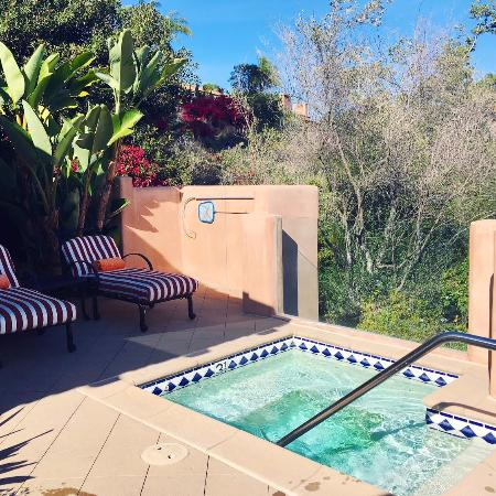 Rancho Santa Fe, Καλιφόρνια: Jacuzzi on the patio of olive garden suite