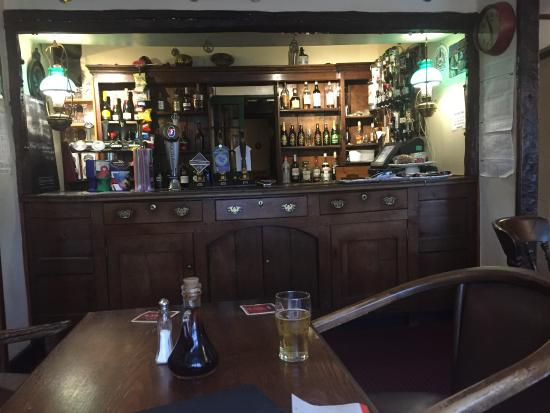Penmaenpool, UK: Welsh Dresser bar