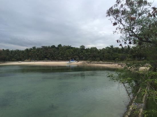 Cordova, Filippijnen: Beach front take from pier.