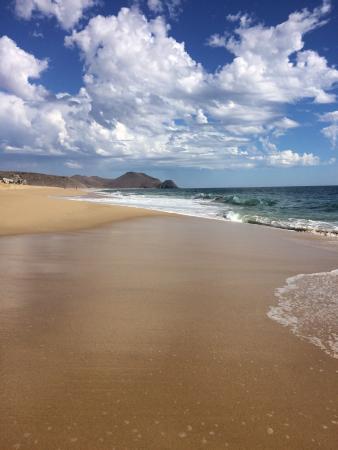 Todos Santos, Mexico: Beach is 5 minute walk from Sole Caliente.