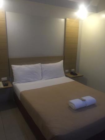 Chambre hotel mactan 더블침대