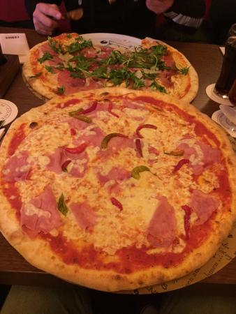 pizza prosciutto bild von remo 39 s restaurant koblenz tripadvisor. Black Bedroom Furniture Sets. Home Design Ideas