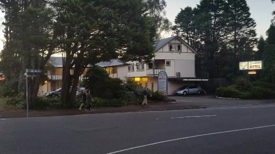 3 Explorers Motel: 20160420_173432_large.jpg