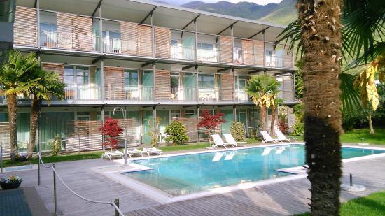 Park Hotel Il Vigneto: pool and balcons