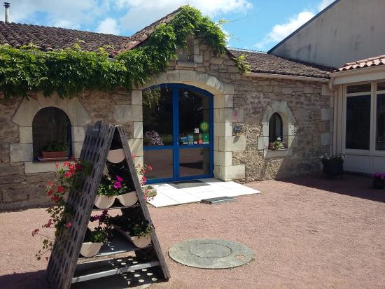 Vaudelnay, Francia: getlstd_property_photo