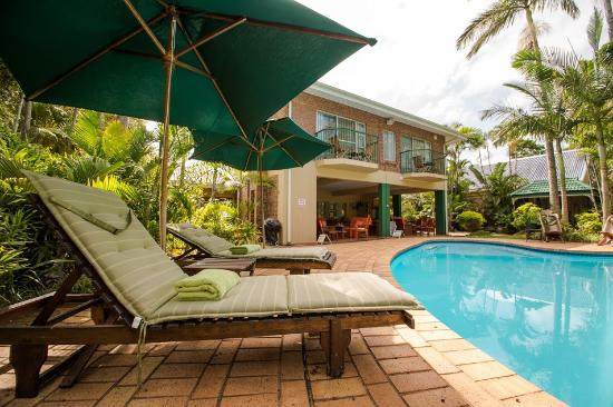 Avalone Guest House: Swimming Pool