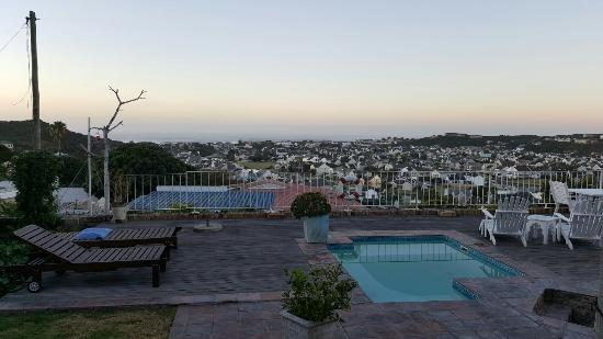 The Lookout Guest House: 20160424_064713_large.jpg