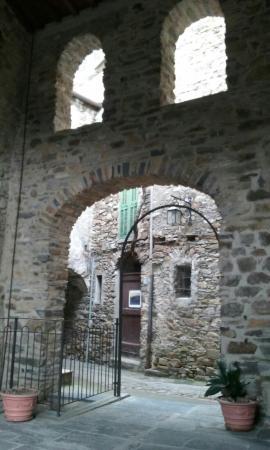 Montalto Ligure, provincia di Imperia...scorci suggestivi.