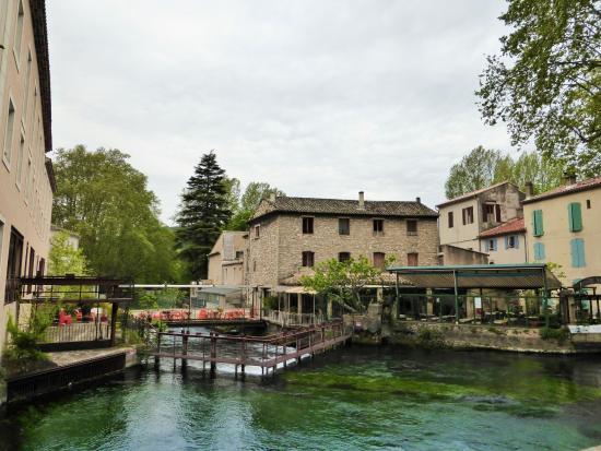 Fontaine de Vaucluse, Fransa: village