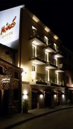 Miro Hotel: 20160416_233308_LLS_large.jpg
