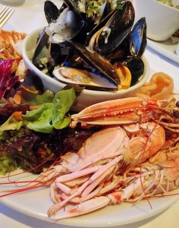 Port Appin, UK: Seafood Platter at The Pierhouse