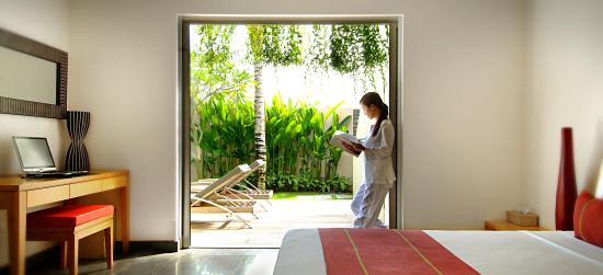 Bali Island Villas & Spa: Garden from bedroom