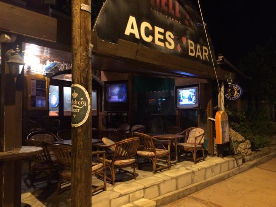 Aces Cocktail Bar Foto