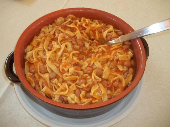 Risultati immagini per tagliatelle fagioli e salsiccia