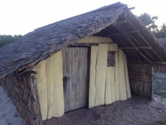 Kipepeo Beach Village: Basic beach hut