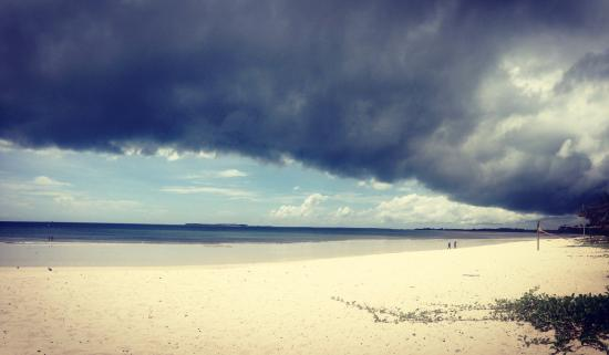 Kipepeo Beach Village: Kipepeo beach.. Monsoon rains coming in
