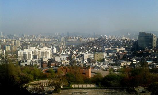 Grand Hyatt Seoul: Seoul from my 10th-floor bedroom in Grand Hyatt