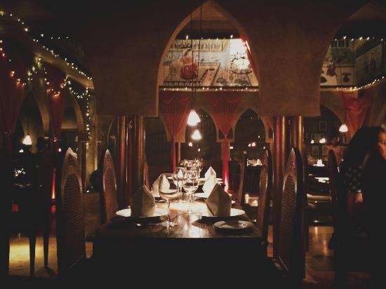 Fez-Kinara Dining and Lounge : very ethnics