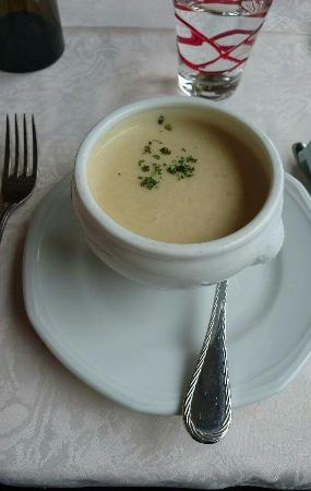 Danne-et-Quatre-Vents, France : Des assiettes bien remplies, une cuisine faite maison, de quoi se restaurer et repartir le ventr