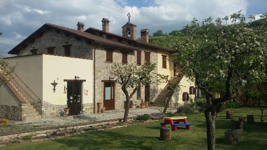 Gualdo Tadino, Italia: 20160422_172112_large.jpg