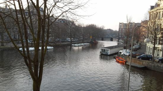 Boutique Hotel View: lovely canal view from 3rd floor