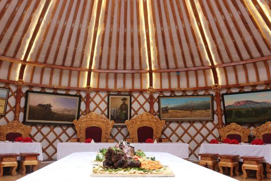 Khanddorj Palace: Tasty Mongolian Food
