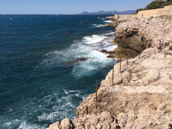 Residence le Parc Velusine : Chemin de contrebandiers