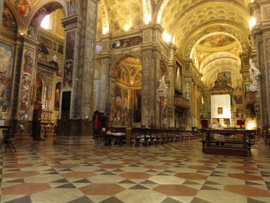 Il ricco interno picture of basilica di santa maria di for Interno help