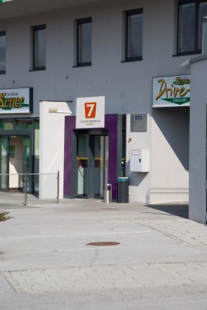 Puch, Austria: Entrance
