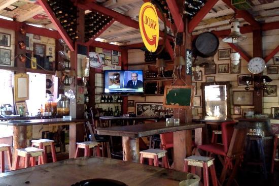 Bar Nandipo - Short walk from the pier