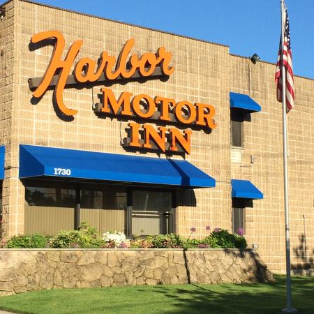 Harbor Motor Inn