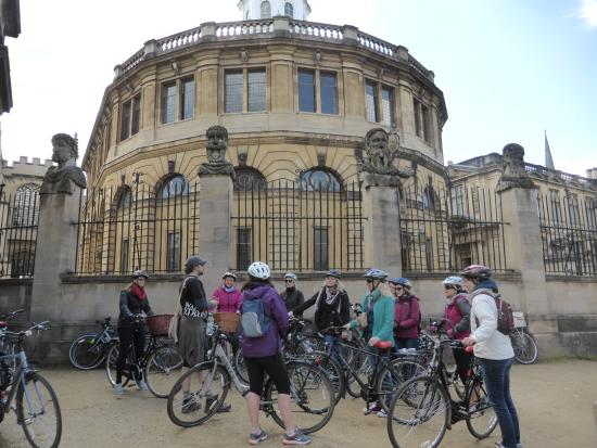 Bainton Bikes Cycle Hire & Tours: Getting the low down outside Radcliffe Camera