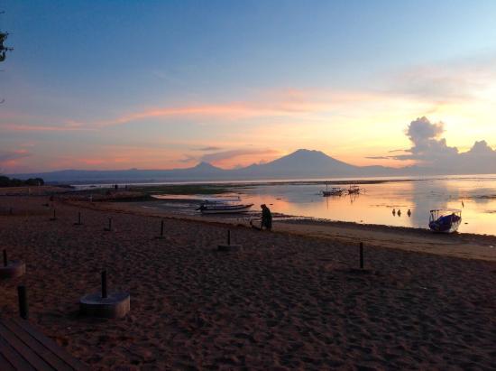 Segara Village Hotel: Sunrise