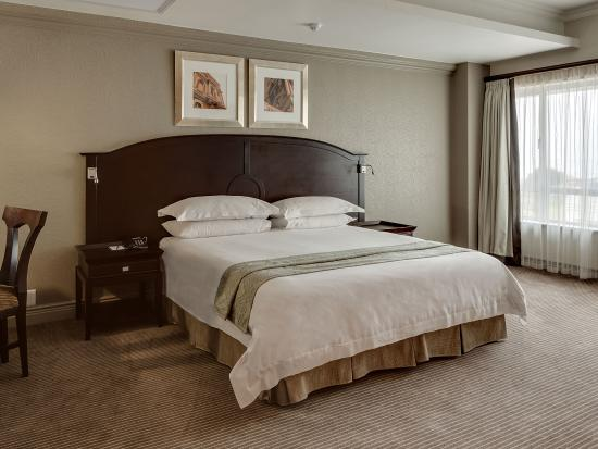 Protea Hotel by Marriott Port Elizabeth Marine: Executive Suite Bedroom