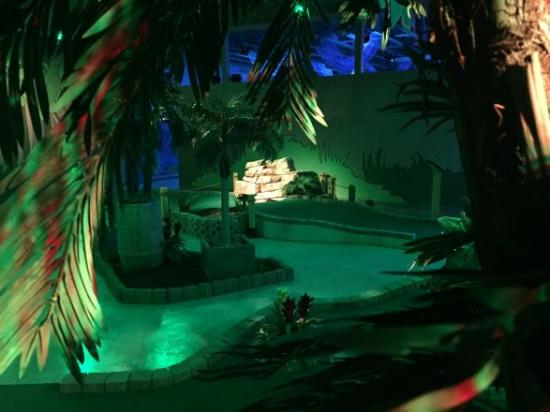 Shipwrecked Miniature Golf