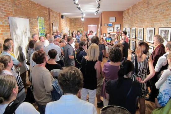 Chatham, Canadá: ARTcrawl starts at ARTspace!