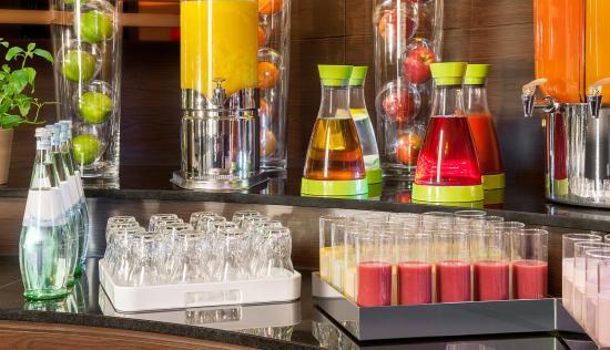 NH Dortmund: Buffet and Breakfast