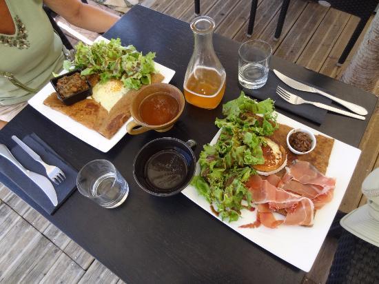 Des saveurs et des mots : Deux excellentes crêpes bretonnes et un bon cidre bien frais
