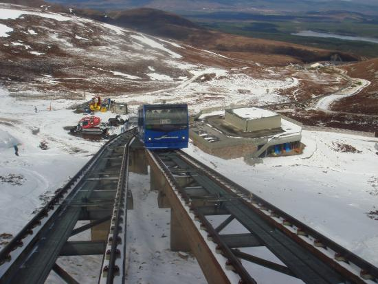Aviemore, UK: Other train coming up as we went down