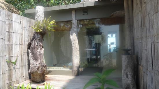 song saa private island salle de bains prise de dehors deux douches extrieures - Prises Salle De Bain